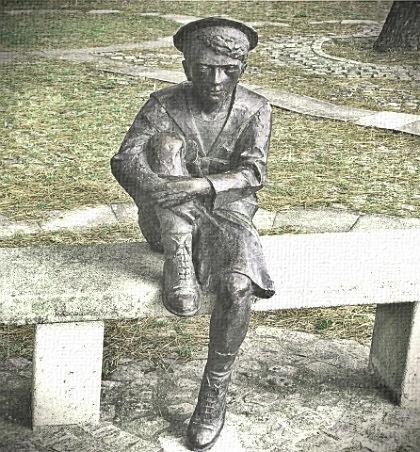 Жюль Верн, памятник маленькому мечтателю